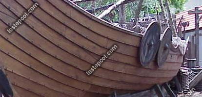 vikingboat.jpg